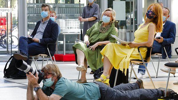 Journalisten bei Spahn-Pressekonferenz in Berlin