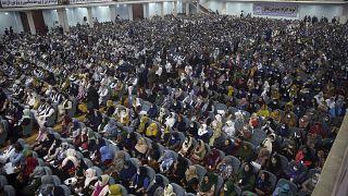 اجتماع للجمعية الكبرى الذي يتألف من آلاف الأعضاء في أفغانستان