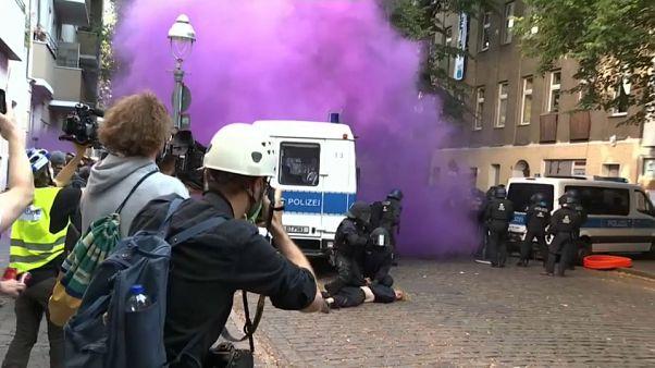 Polícia alemã detém 40 pessoas durante ação de despejo em Berlim