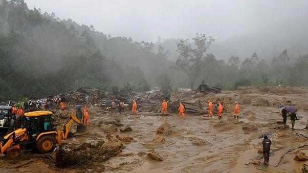 Hindistan'da toprak kayması: En az 15 ölü