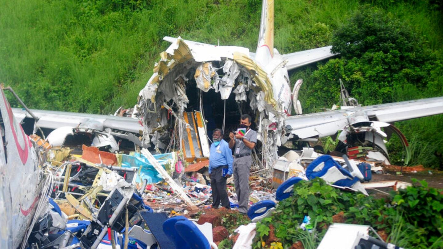 India plane crash: 18 dead and 123 injured after incident in ...
