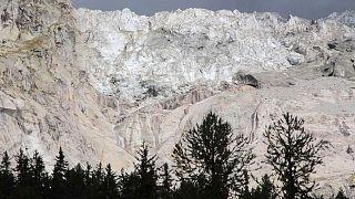Un enorme glaciar amenaza el turismo de Courmayeur