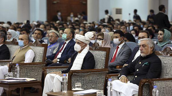 عبدالله عبدالله در کنار محمد اشرف غنی، رئیس جمهوری افغانستان