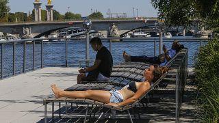París es otra de las ciudades francesas que impone la mascarilla en zonas concurridas