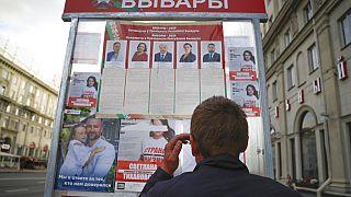 Szavazás a letartóztatások árnyékában - elnököt választ Fehéroroszország