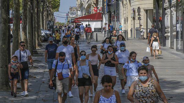 La mascarilla pasa a ser obligatoria en algunas zonas de París