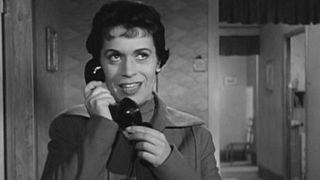 """Franca Valeri nella parte di Cesira nel film """"Il segno di Venere"""" (1955) di Dino Risi."""