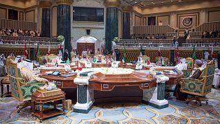 السعودية نيوز |      أزمة وصعوبات اقتصادية تواجه دول مجلس التعاون الخليجي قبل قمة مليئة بالتحديات ستعقد الثلاثاء