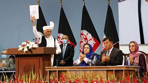 Президент Афганистана на заседании совета старейшин