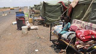 تسببت السيول الموسمية بدمار المنازل والبنية التحتية في السودان