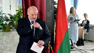 Lukashenko al seggio elettorale