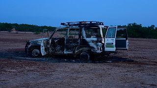 Ausgebranntes Autowrack der Opfer