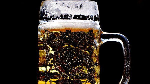 شركة مشروبات كندية تعتذر بسبب اسم منتج يحمل مدلولاً جنسياً