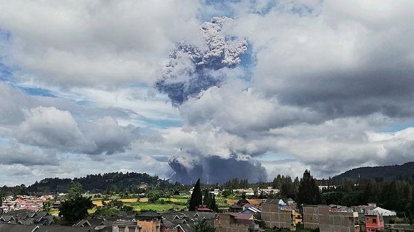 Endonezya'da volkan patlaması