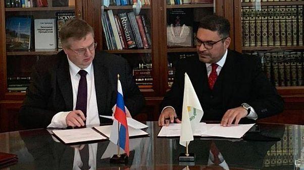 Ο Υπουργός Οικονομικών της Κύπρου Κ.Πετρίδης με τον Αναπληρωτή Πρωθυπουργό της Ρωσικής Κυβέρνησης Αλεξέι Οβερτσούκ