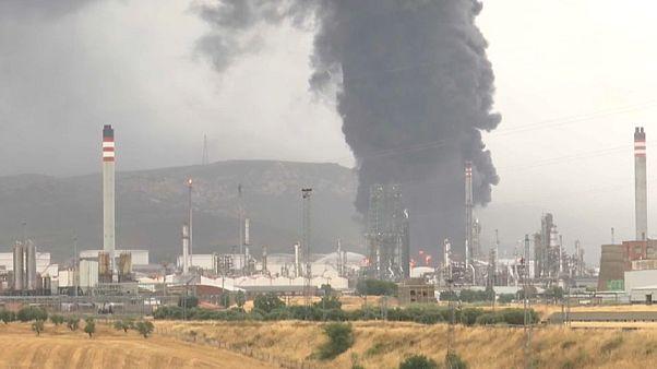 Detalle del incendio en el Complejo Petroquímico de Puertollano