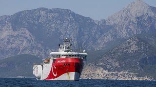 Турецкое исследовательское судно Oruc Reis в Эгейском море