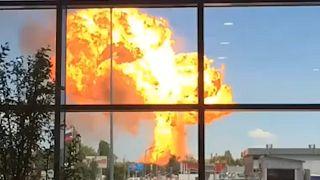 Rusya'da petrol tankı ateş alan istasyonda patlama: 13 yaralı
