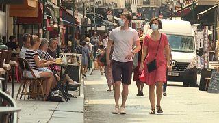 Μάσκα και στους εξωτερικούς χώρους στο Παρίσι