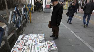 Tahran'da bir gazete standı