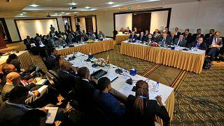 وزراء الري في مصر وإثيوبيا والسودان يشاركون في اجتماع لاستئناف المفاوضات بشأن سد النهضة الإثيوبي الكبير، في العاصمة السودانية الخرطوم، 21 ديسمبر 2019.