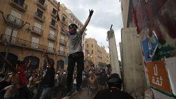 Tüntetők és rendfenntartók csaptak össze Bejrútban