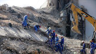Lübnan'daki patlamanın ardından arama kurtarma çalışmaları
