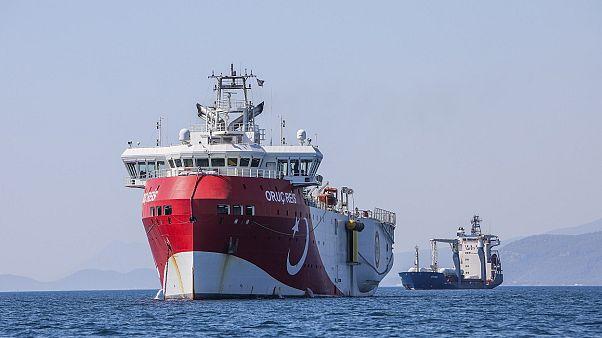 کشتی اکتشافی عروج رئیس ترکیه در آبهای مدیترانه