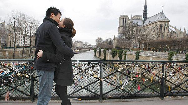 زوج جوانی در پاریس
