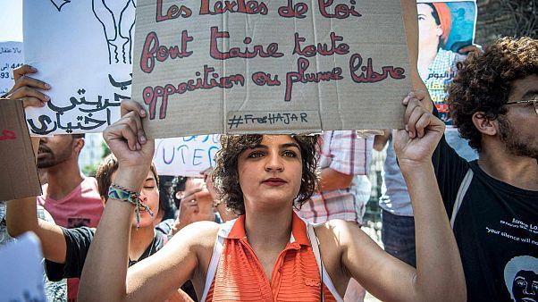 مظاهرة احتجاجية ضد محاكمة هاجر الريسوني ، الصحفية المغربية من جريدة أخبار اليوم، في العاصمة الرباط، 9 سبتمبر 2019.