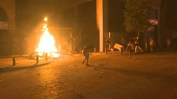 Feuer vor Parlament
