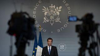 أوليفييه فيران، وزير الصحة الفرنسي يلقي كلمة في باريس، فرنسا