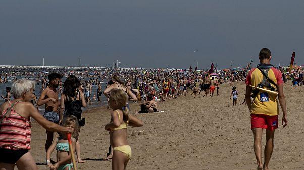 Belga belügyminiszter: a strandolók nem terroristák