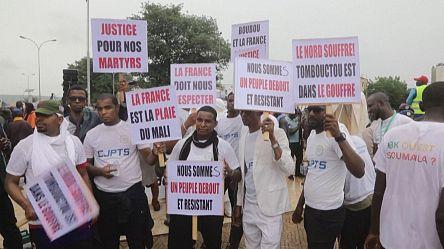Nouvelle mobilisation de milliers de personnes pour la démission du président Keïta