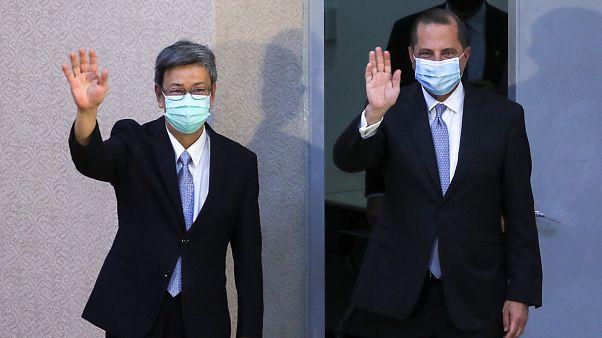 عازار خلال زيارته لتايوان