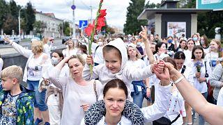Las protestas siguen en Bielorrusia pese a la represión policial