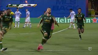 Il gol vittoria di Zuparic.