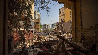 صورة لحيِّ في العاصمة اللبنانية بيروت التي ضربها انفجار المرفأ