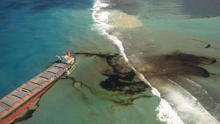 Mauritius: Oil from damaged ship cleared