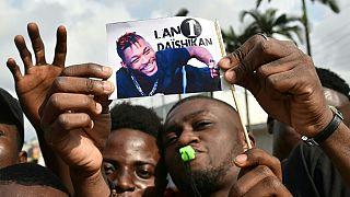 Des milliers d'Ivoiriens célèbrent DJ Arafat, tragiquement disparu il y a un an