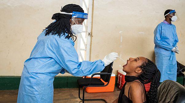 اختبارات كوفيد-19 في رواندا