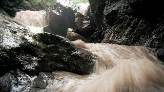 In July 1999, 21 people were killed in a similar canyoning accident in Saxeten brook, near Interlaken, Switzerland.