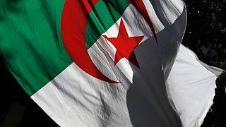 الجزائر بدأت بطرح خدمات مصرفية إسلامية