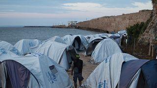 Yunanistan'ın Sakız Adası'ndaki sığnımacı kampında ilk Covid-19 vakası görüldü