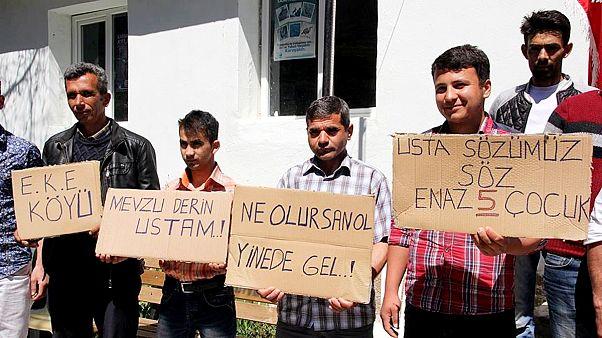 Mersin'de evlenemeyen erkeklerin eylemi - 2016