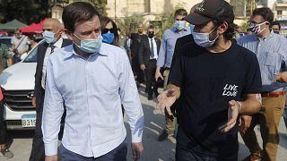 ديفيد هيل (إلى اليسار) في بيروت