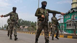 کشته شدن دو پلیس در کشمیر