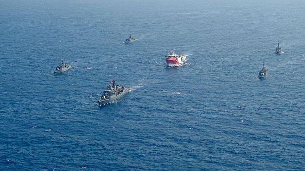 A embarcação de prospeção turca tem escolta da Marinha