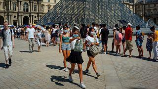 ارتفاع الإصابات في باريس