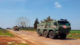 M4 Karayolu'nda Rus ve Türk askerlerinin ortak devriyesi